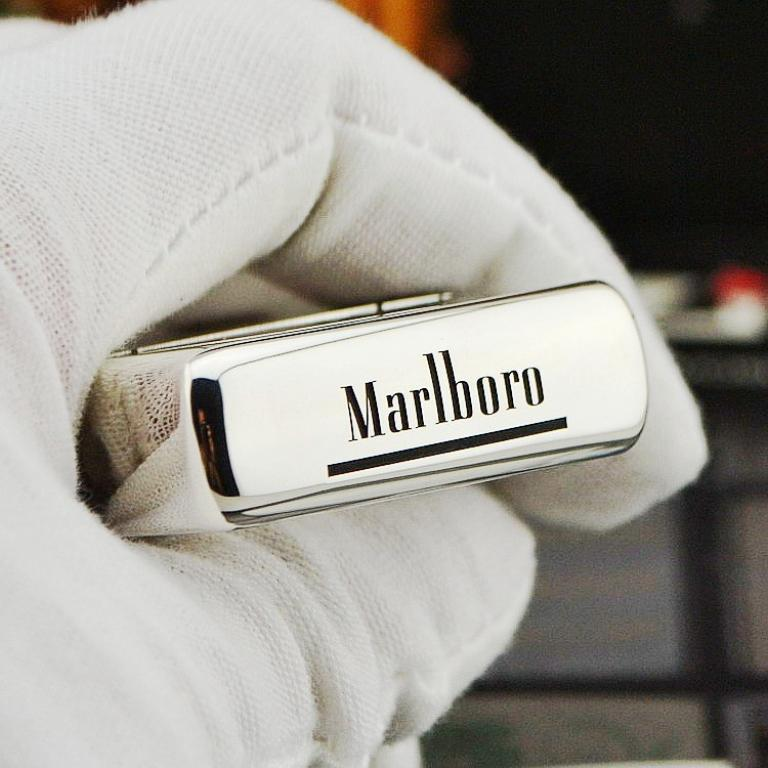 Zippo Chính Hãng Bạc Khối Khắc Logo Marlboro
