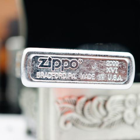 Zippo Cổ bạc xước hình bia Budweiser sản xuất 2000