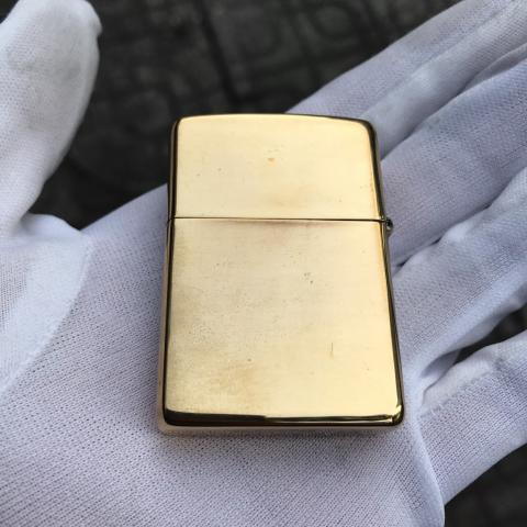 Zippo màu vàng khắc ruột zippo sản xuất năm 1996 (cái)